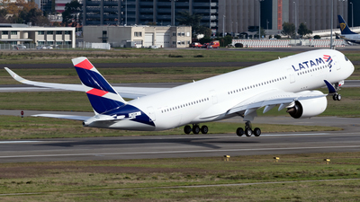 F-WZGM - Airbus A350-941 - LATAM Airlines