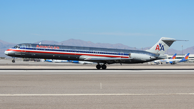 N7548A - McDonnell Douglas MD-82 - American Airlines
