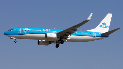 A picture of PHHSD - Boeing 7378K2 - KLM - © Peter Tolnai