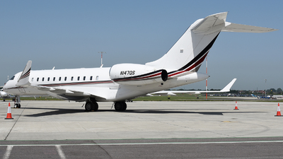 N147QS - Bombardier BD-700-1A10 Global 6000 - NetJets Aviation