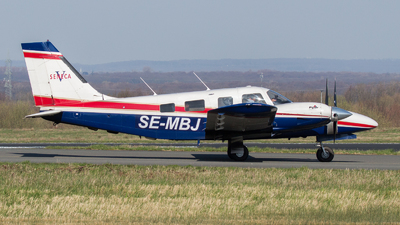 SE-MBJ - Piper PA-34-220T Seneca V - Private