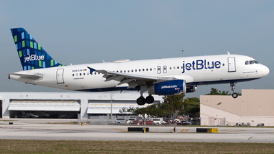 A picture of N587JB - Airbus A320232 - JetBlue Airways - © PAUL LINK