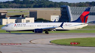 N916DU - Boeing 737-932ER - Delta Air Lines