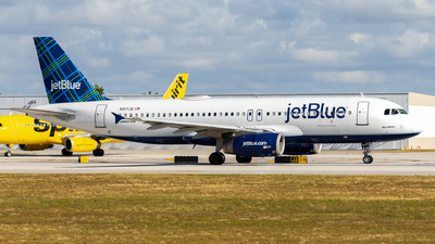 A picture of N517JB - Airbus A320232 - JetBlue Airways - © Raul Tejeira