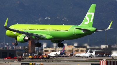 A picture of VPBPO - Airbus A321211 - S7 Airlines - © Rafal Pruszkowski