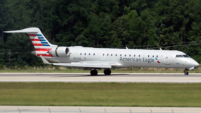 A picture of N521AE - Mitsubishi CRJ701ER - American Airlines - © mariaPGAer