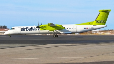 YL-BBU - Bombardier Dash 8-Q402 - Air Baltic