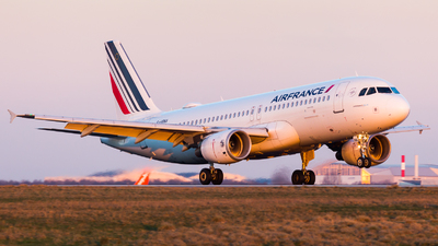 A picture of FHBNA - Airbus A320214 - Air France - © William Verguet