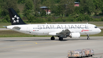 HB-IJN - Airbus A320-214 - Swiss