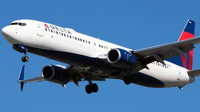 A picture of N925DZ - Boeing 737932(ER) - Delta Air Lines - © Diego Mancilla.