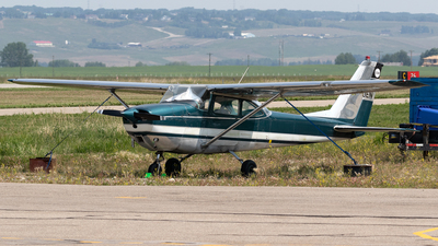 CF-UEN - Cessna 172G Skyhawk - Private