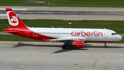 HB-IOZ - Airbus A320-214 - Air Berlin (Belair Airlines)