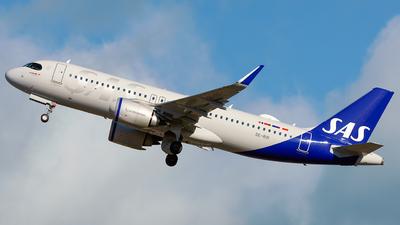 A picture of SEROI - Airbus A320251N - SAS - © Laszlo Fekete