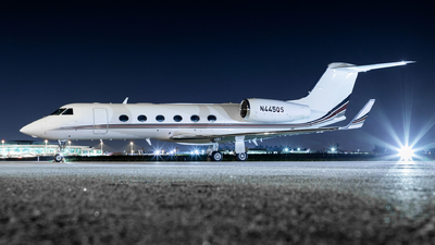 A picture of N445QS - Gulfstream G450 - NetJets - © Carlos Miguel Seabra