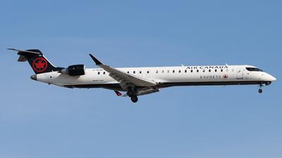 C-GJIZ - Bombardier CRJ-900LR - Air Canada Express (Jazz Aviation)