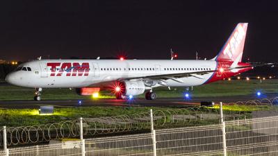 A picture of PTXPA - Airbus A321211 - LATAM Airlines - © Henrique Pessoa