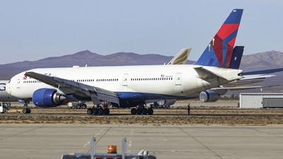 N861DA - Boeing 777-232(ER) - Delta Air Lines