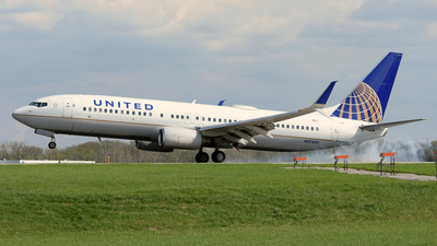 N17233 - Boeing 737-824 - United Airlines