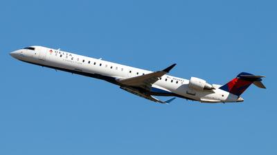 A picture of N929XJ - Mitsubishi CRJ900LR - Delta Air Lines - © Oliver Richter