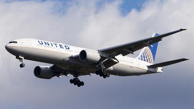 N782UA - Boeing 777-222(ER) - United Airlines