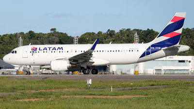 A picture of PRTYN - Airbus A320214 - LATAM Airlines - © Felipe Cruz SBSV