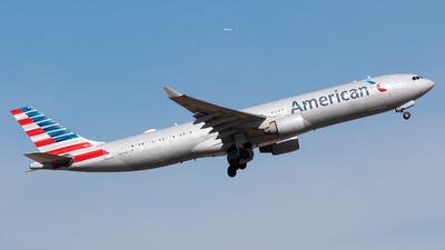 N271AY - Airbus A330-323 - American Airlines