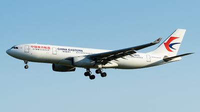 A picture of B5973 - Airbus A330243 - China Eastern Airlines - © Olivier Landes
