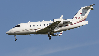 TC-CEA - Bombardier CL-600-2B16 Challenger 604 - MNG Jet