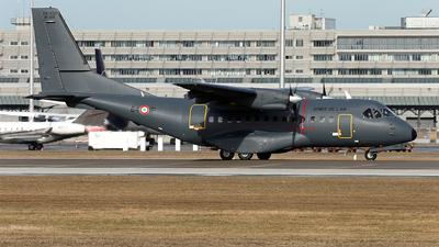 152 - CASA CN-235-200 - France - Air Force