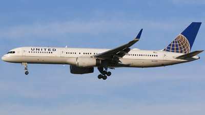 N57111 - Boeing 757-224 - United Airlines