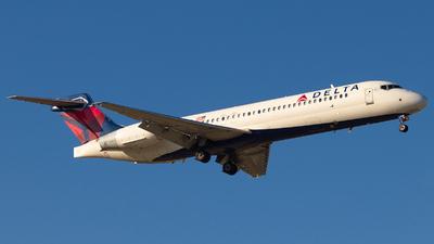 N982AT - Boeing 717-2BD - Delta Air Lines