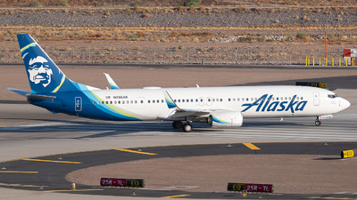 A picture of N296AK - Boeing 737990(ER) - Alaska Airlines - © Cole McAndrew