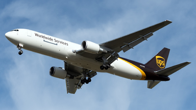 A picture of N373UP - Boeing 767300F(ER) - UPS - © Kerrigan_Aviation_NJ
