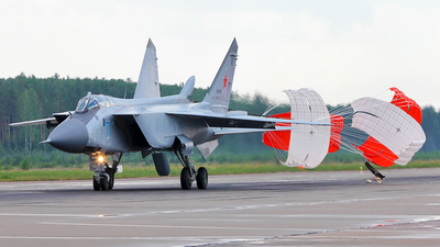RF-95210 - Mikoyan-Gurevich MiG-31BM Foxhound - Russia - Navy