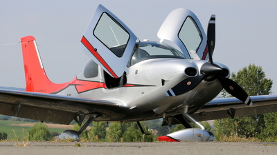 OK-SMI - Cirrus SR22T-GTS G5 Carbon - Private