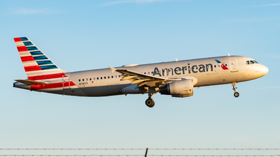 A picture of N118US - Airbus A320214 - American Airlines - © ne.planespotter
