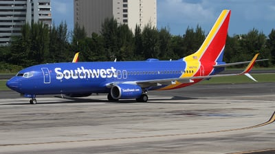 N8670A - Boeing 737-8H4 - Southwest Airlines