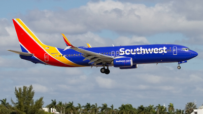 N8562Z - Boeing 737-8H4 - Southwest Airlines