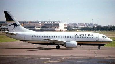 VH-TAU - Boeing 737-376 - Australian Airlines
