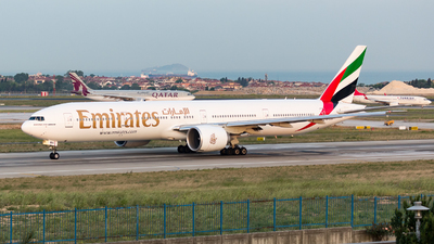 A6-ENH - Boeing 777-31HER - Emirates