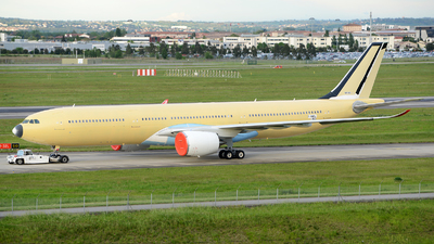 F-WWYL - Airbus A330-941 - Airbus Industrie