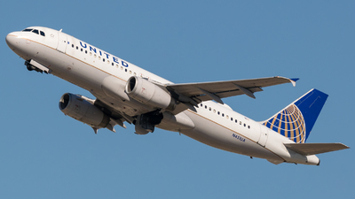 N451UA - Airbus A320-232 - United Airlines