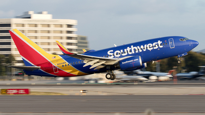 N928WN - Boeing 737-7H4 - Southwest Airlines