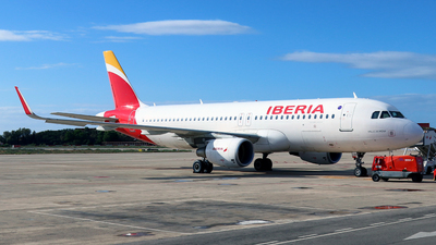A picture of ECLVD - Airbus A320216 - Iberia - © Javier Rodriguez - Amics de Son Sant Joan