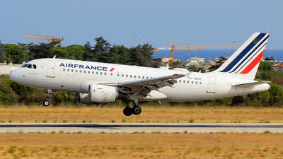 A picture of FGRXC - Airbus A319111 - Air France - © Pampillonia Francesco - Plane Spotters Bari