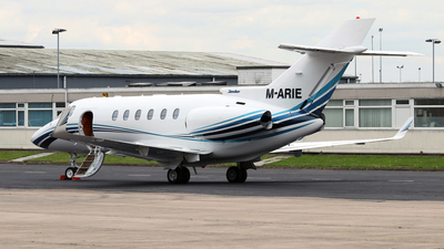 M-ARIE - Hawker Beechcraft 800XP - Private