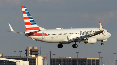 A picture of N335PH - Boeing 737823 - American Airlines - © DJ Reed - OPShots Photo Team
