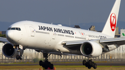 JA773J - Boeing 777-246 - Japan Airlines (JAL)