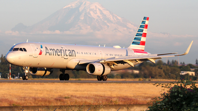 A picture of N164NN - Airbus A321231 - American Airlines - © Huy Do