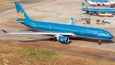 VN-A372 - Airbus A330-223 - Vietnam Airlines